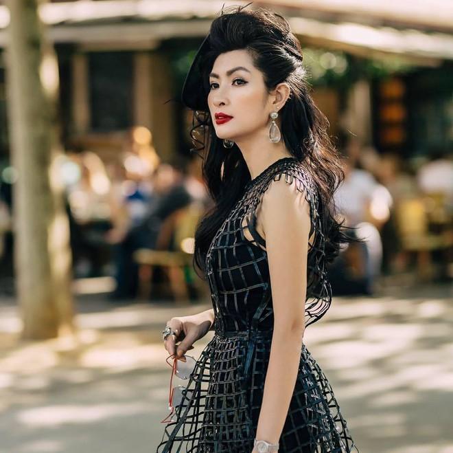 Nữ ca sĩ Việt từng bỏ xứ vì ảnh nóng giờ sống giàu sang trên đất Mỹ - Ảnh 1.