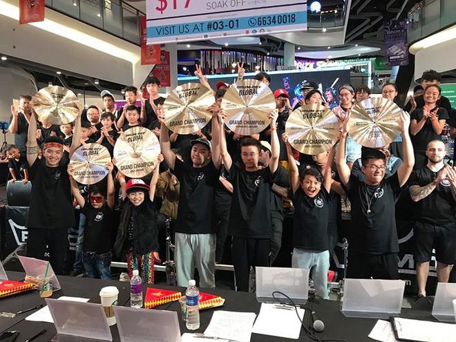 Vượt hàng trăm đối thủ, 2 nghệ sĩ trẻ Việt giành giải Nhất thi trống quốc tế - Ảnh 1.