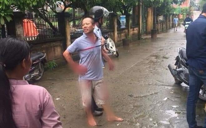 """Vụ chém gia đình em ruột ở Hà Nội: """"Gây án xong, Đông đứng ở hiện trường"""""""