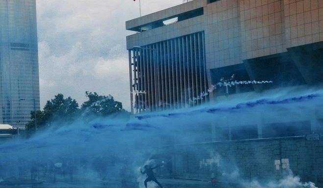 Hong Kong: Súng lại nổ, cảnh sát giả trang trà trộn biểu tình - Ảnh 4.