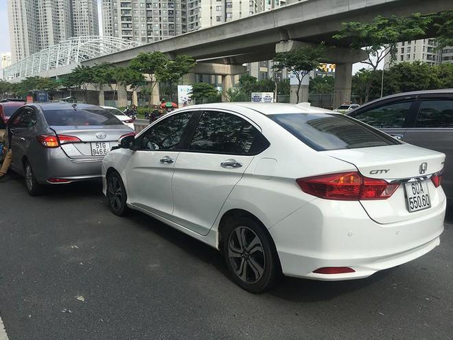 3 ô tô tông liên hoàn trên xa lộ Hà Nội - Ảnh 1.