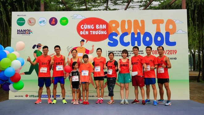 """6 CLB chạy tại Hà Nội """"cùng bạn đến trường"""" và giấc mơ về """"Ngày chạy bộ Việt Nam"""" - Ảnh 1."""
