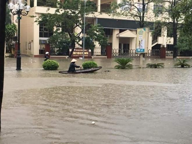 Mưa lớn, TP Thái Nguyên hóa thành sông - Ảnh 3.