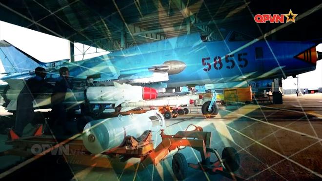 Tên lửa sát thủ diệt hạm đáng gờm của chiến đấu Su-22 Không quân Việt Nam: Đầy uy lực - Ảnh 1.