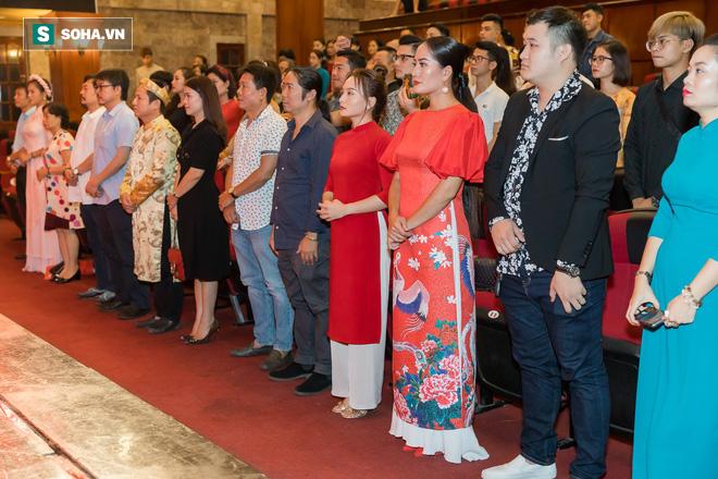 NSƯT Chí Trung, Bảo Thanh, Thu Quỳnh và nhiều nghệ sỹ nổi tiếng dâng hương giỗ Tổ nghề - Ảnh 4.