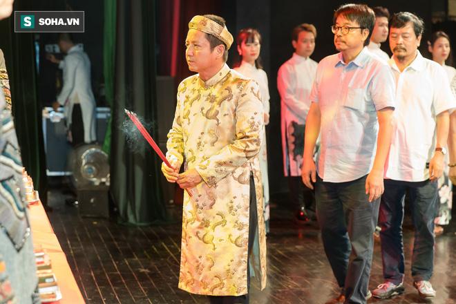 NSƯT Chí Trung, Bảo Thanh, Thu Quỳnh và nhiều nghệ sỹ nổi tiếng dâng hương giỗ Tổ nghề - Ảnh 3.