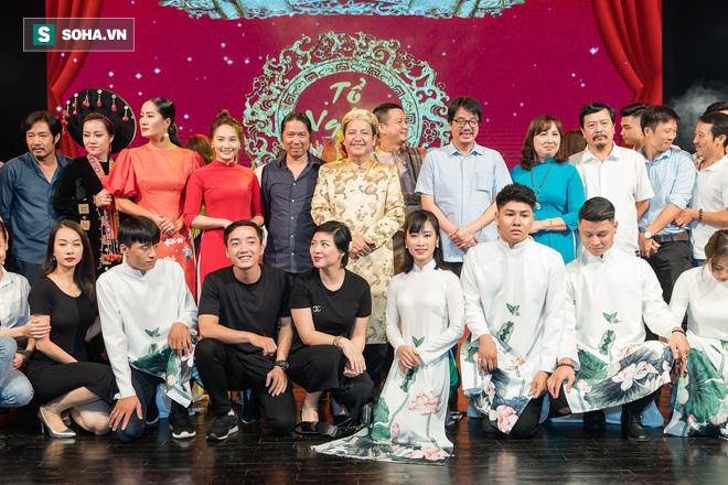 NSƯT Chí Trung, Bảo Thanh, Thu Quỳnh và nhiều nghệ sỹ nổi tiếng dâng hương giỗ Tổ nghề - Ảnh 1.