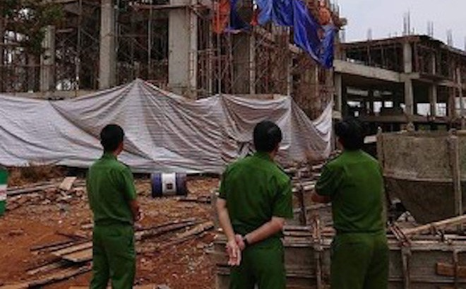 Vụ nhóm công nhân gặp nạn ở tầng hầm khách sạn: Thêm 1 người tử vong