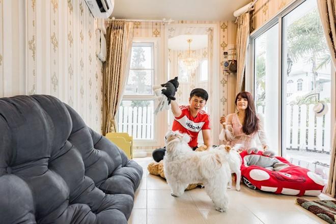 Cặp đôi chi tiền khủng xây biệt thự làm... chuồng chó cho cún cưng, trong nhà có máy lạnh, đủ đồ chơi và ở được ít nhất 3 người - Ảnh 5.