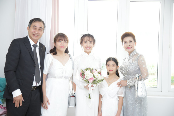 Con gái Minh Nhựa bất ngờ chia sẻ về mẹ chồng ngày đầu làm dâu, úp mở khi được hỏi Có phải cưới chạy bầu? - Ảnh 9.