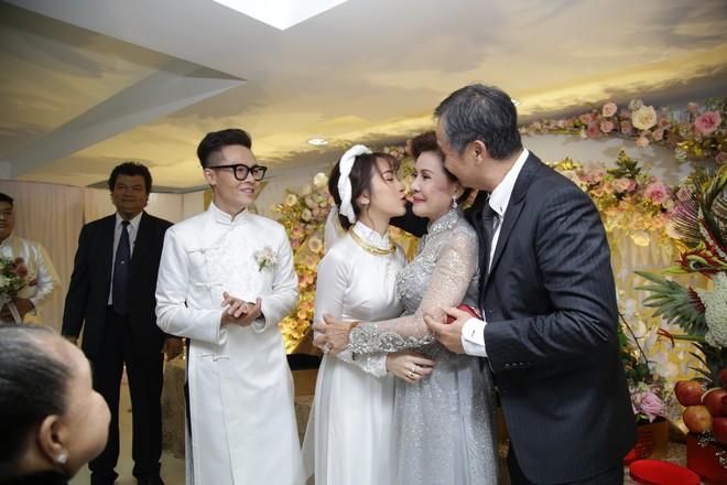 Con gái Minh Nhựa bất ngờ chia sẻ về mẹ chồng ngày đầu làm dâu, úp mở khi được hỏi Có phải cưới chạy bầu? - Ảnh 10.
