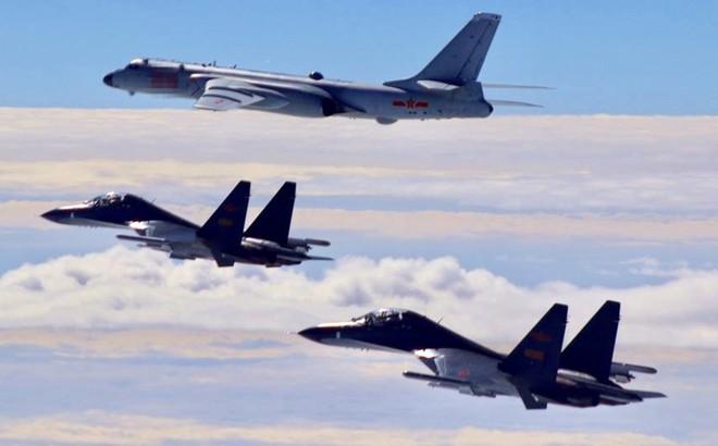 """Bẽ bàng trước Mỹ, Trung Quốc đã nhờ Su-30MKK của Nga mà """"ngẩng mặt lên"""" như thế nào?"""