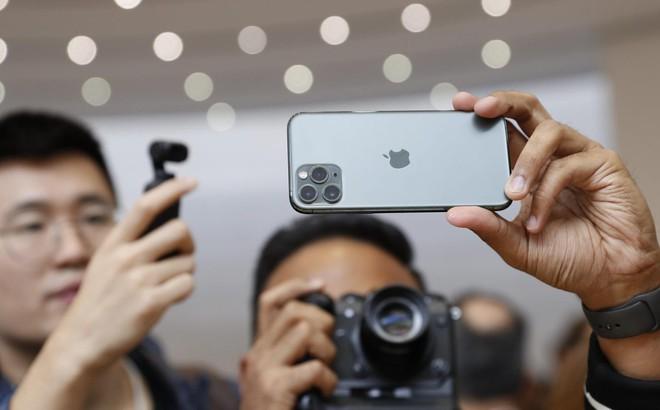 """Người dùng Trung Quốc đang """"troll"""" Apple vì không ra mắt iPhone có 5G"""