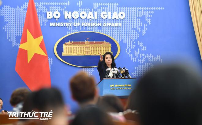 VN theo dõi sát việc tàu cẩu Lam Kình của Trung Quốc di chuyển qua vùng Đặc quyền kinh tế của VN