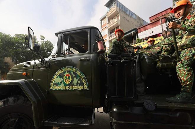 Thượng tá Nguyễn Văn Bổng: Thời gian khử độc ở Rạng Đông sẽ khá lâu - Ảnh 18.