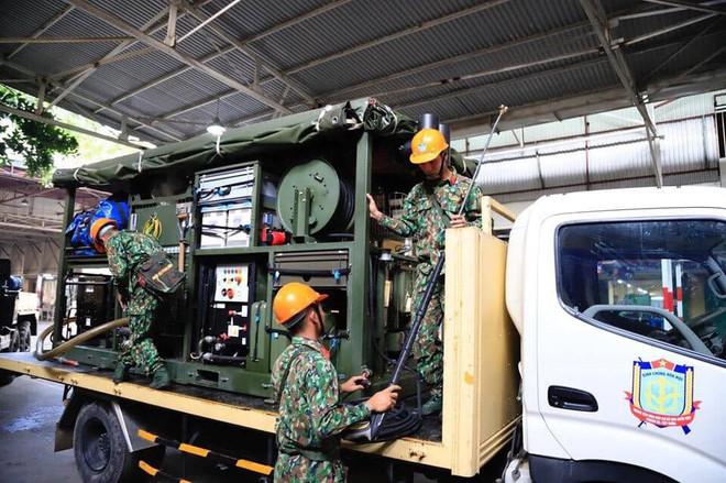 Thượng tá Nguyễn Văn Bổng: Thời gian khử độc ở Rạng Đông sẽ khá lâu - Ảnh 12.