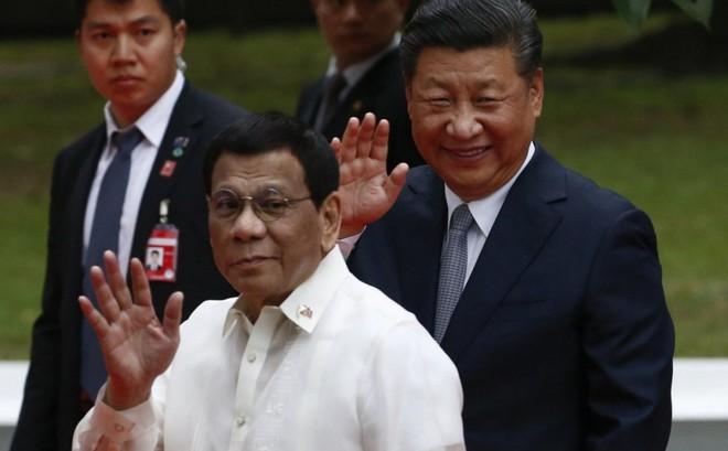 Ngoại trưởng Philippines: Từ bỏ phán quyết Biển Đông, được thôi nhưng sẽ phải gánh hậu quả