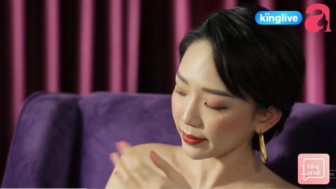 Tóc Tiên gây sốc khi nói đến mối quan hệ với mẹ ruột, hé lộ cuộc sống bên Mỹ khó khăn, trộm tiền của bà để gửi xe - Ảnh 4.