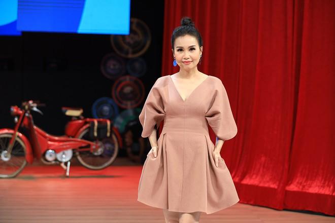 NSND Hồng Vân: Khi ra Hà Nội diễn, tôi bị khán giả phản ứng khủng khiếp và tẩy chay - Ảnh 4.