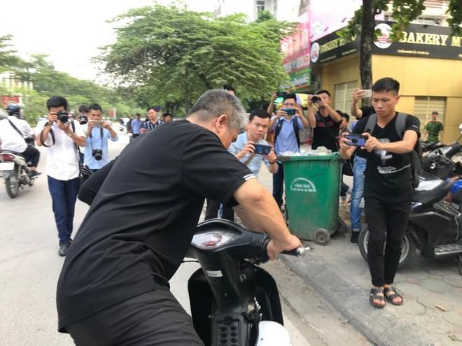 Luật sư: Buổi thực nghiệm hiện trường ngày 13/9 chưa liên quan đến bà Nguyễn Bích Quy - Ảnh 9.