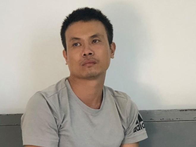 Tài xế xe tải nghi ngáo đá, cầm điếu cày đánh khách uống cà phê rồi cướp tiền và iPhone X - Ảnh 1.