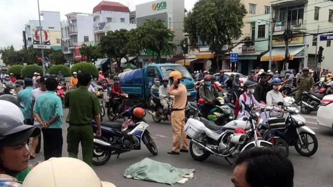 Lời khai của người phụ nữ đi xe máy đánh rơi bao tải chứa nhiều xác thai nhi xuống đường - Ảnh 4.