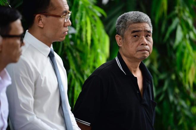 [CẬP NHẬT] Tài xế Doãn Quý Phiến đang thực nghiệm hiện trường vụ bé trai trường Gateway tử vong - Ảnh 10.