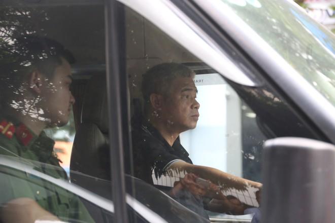 Luật sư: Buổi thực nghiệm hiện trường ngày 13/9 chưa liên quan đến bà Nguyễn Bích Quy - Ảnh 14.
