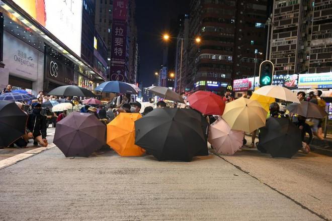 Liên Hiệp Quốc lên tiếng về biểu tình Hong Kong - Ảnh 1.