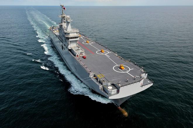 Cơ hội ngàn vàng: Nga lẽ ra đã như hổ mọc thêm cánh nếu không vuột mất cơ hội mua 2 tàu sân bay từ NATO? - ảnh 2