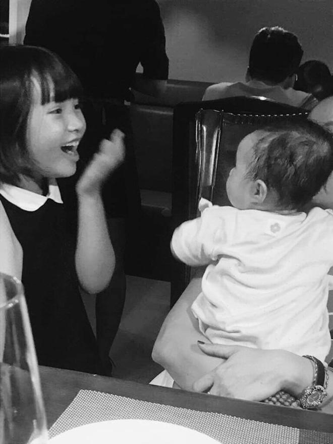 Hot girl Mi Vân đón tuổi 31 bên gia đình, con gái xinh xắn nhưng nhiều người lại bất ngờ với diện mạo sau sinh của mẹ - ảnh 3