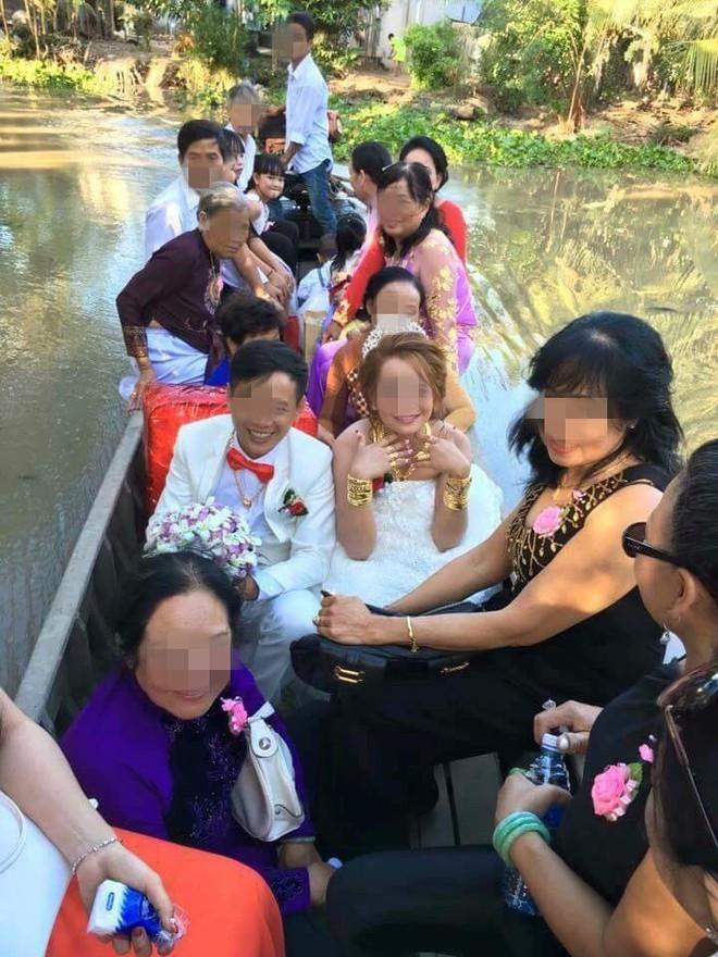 Cô dâu đeo vàng nặng trĩu ngày cưới khiến dân mạng trầm trồ, hoa mắt vì đếm hộ - ảnh 1