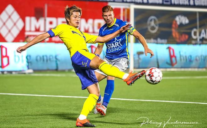 """Gạch tên Công Phượng, Sint Truidense """"trả giá"""" bằng trận hòa run rẩy trước đội bét bảng"""