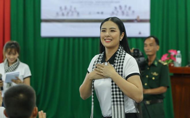 Hoa hậu Ngọc Hân cảnh báo 'cái bẫy làm thuê' khiến nhiều người trẻ không thể khởi nghiệp