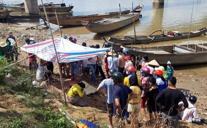 Vụ vợ chồng trẻ nghi là ôm con nhảy sông Thạch Hãn: Đã tìm thấy 2 thi thể