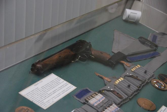 Khám phá hai lựa chọn súng du hành không gian đa năng và đầy bất ngờ của Nga? - ảnh 1