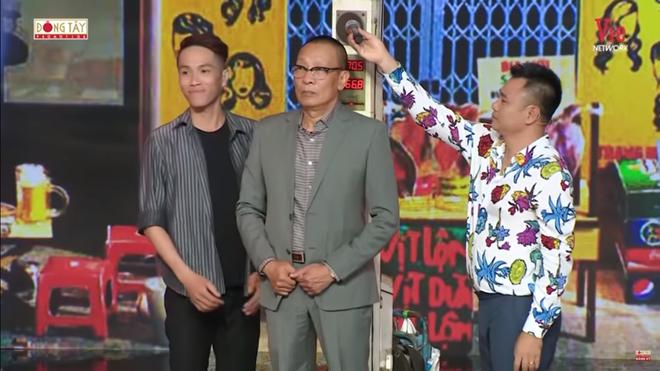 Quang Linh bất ngờ gọi NSND Hồng Vân là vợ, nói 1 câu chua chát - Ảnh 1.
