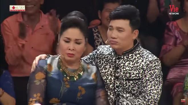 Quang Linh bất ngờ gọi NSND Hồng Vân là vợ, nói 1 câu chua chát - Ảnh 4.