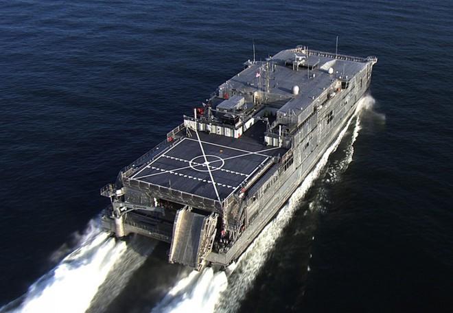 Tàu vận tải quân sự Mỹ 3 lần xuất hiện bí ẩn tại Biển Đen, Nga cảnh giác theo dõi - Ảnh 1.
