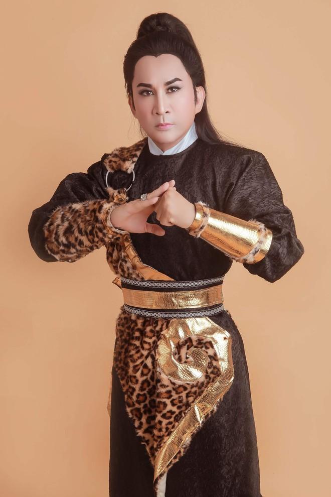 Kim Tử Long: Tôi với vợ ba chưa đăng ký, sống 10 năm vì tin tưởng nhau - Ảnh 4.
