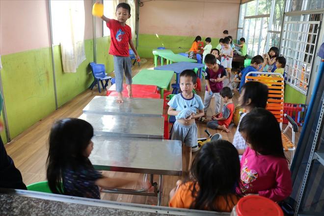 Người đông con nhất TP.HCM tặng trẻ mồ côi 100 tỉ: Thuyết phục gia đình - Ảnh 2.