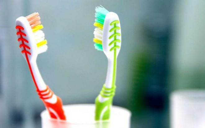 8 cách đánh răng sai lầm ai cũng mắc phải - Ảnh 5.