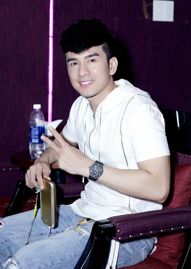 Đan Trường, Lệ Quyên không ngại trời mưa đến tập hát cùng Quang Hà - Ảnh 2.