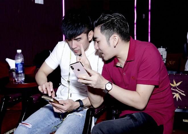 Đan Trường, Lệ Quyên không ngại trời mưa đến tập hát cùng Quang Hà - Ảnh 3.