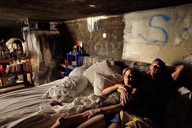 Cựu diễn viên phim người lớn sống chui lủi dưới đường hầm thoát nước ở Las Vegas - Ảnh 5.