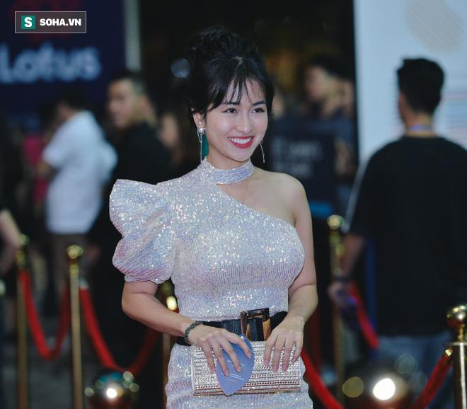 Sao Việt đại náo thảm đỏ lễ ra mắt mạng xã hội Lotus - Ảnh 6.
