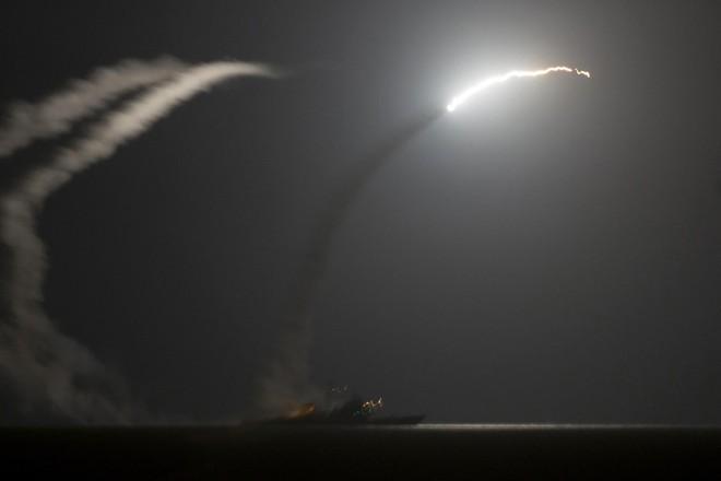 Nhiều quốc gia Trung Đông toát mồ hôi hột - TT Trump tuyên bố nóng, Israel đóng cửa không phận chuẩn bị chiến tranh - Ảnh 7.