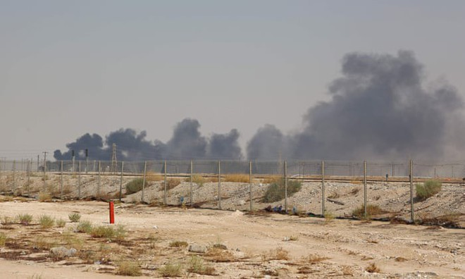 Bí ẩn vũ khí tấn công nhà máy lọc dầu Saudi: Thời hoàng kim của tiêm kích chiếm ưu thế trên không đã chấm dứt? - ảnh 1