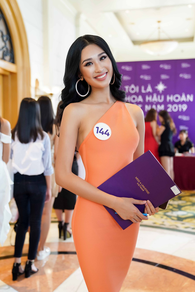 Thí sinh Hoa hậu Hoàn vũ Việt Nam 2019 nói gì khi được nhận xét giống Phạm Hương? - Ảnh 3.