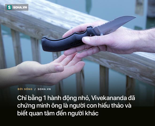 Nhận con dao từ tay con trai, người mẹ biết mình đã dạy dỗ con nên người - Ảnh 2.